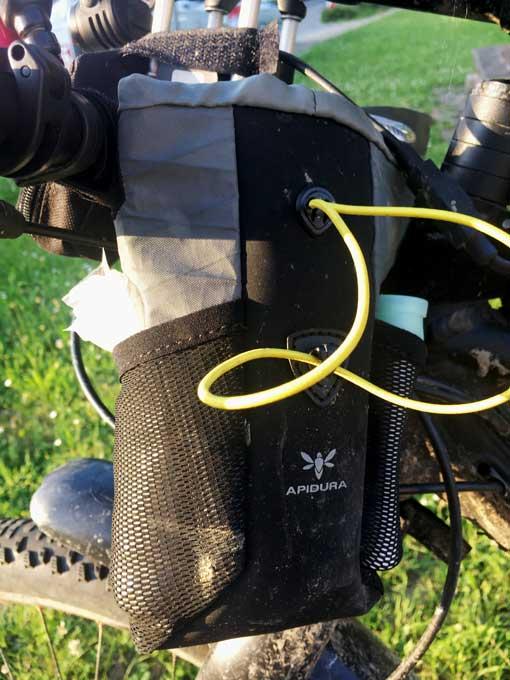 Lenkertaschen mit Netz fuer Graveltour